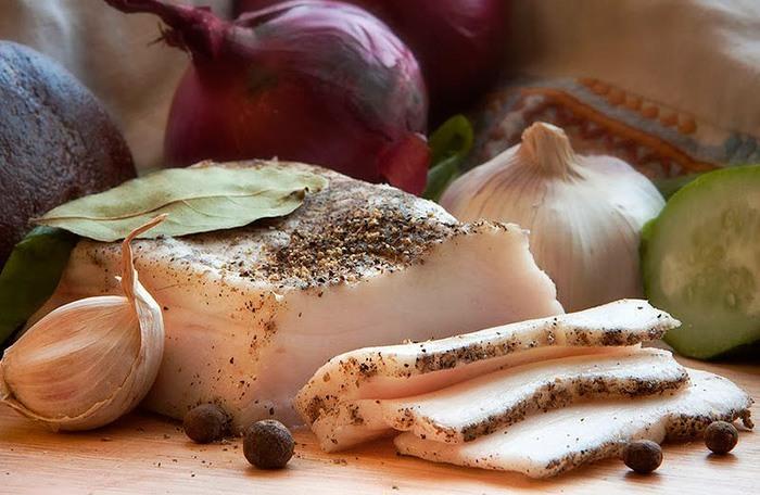 Польза и вред свиного сала для организма человека