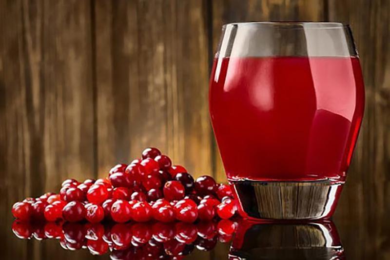 Польза клюквенного сока для женщин