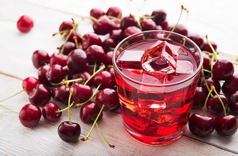 Как правильно употреблять сок вишни с пользой для здоровья