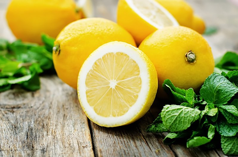 Польза свежевыжатого лимонного сока